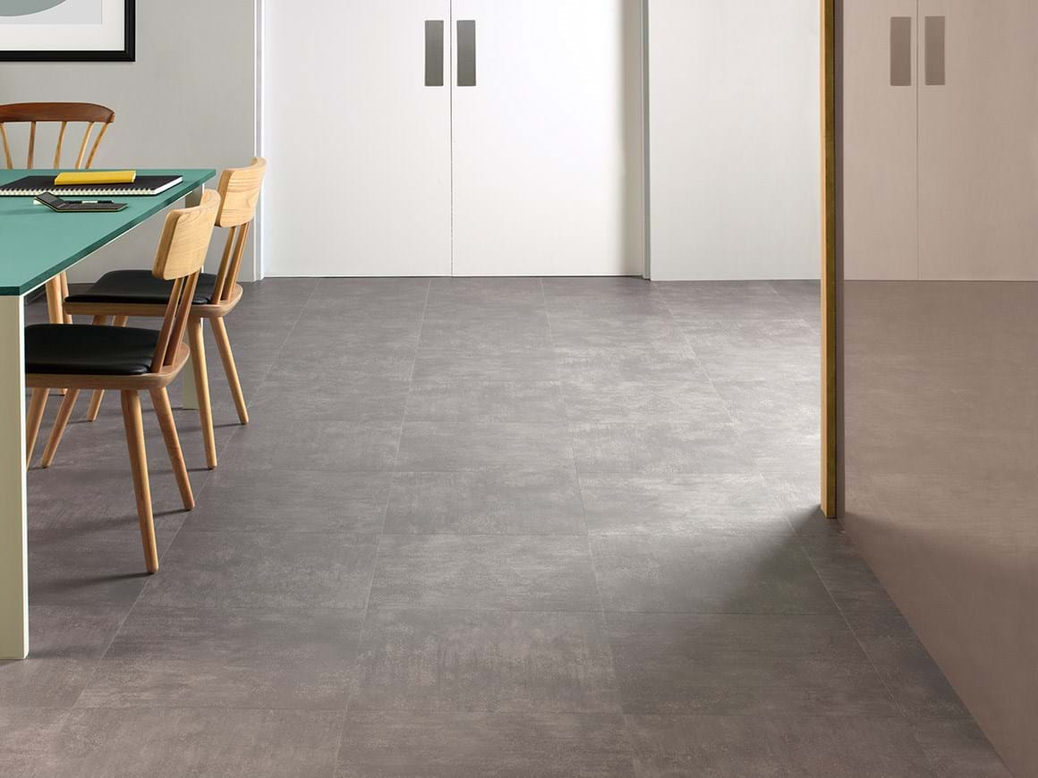 Amtico Access Metropolis Grey SX5A5607 in Uniform Tile Laying Pattern