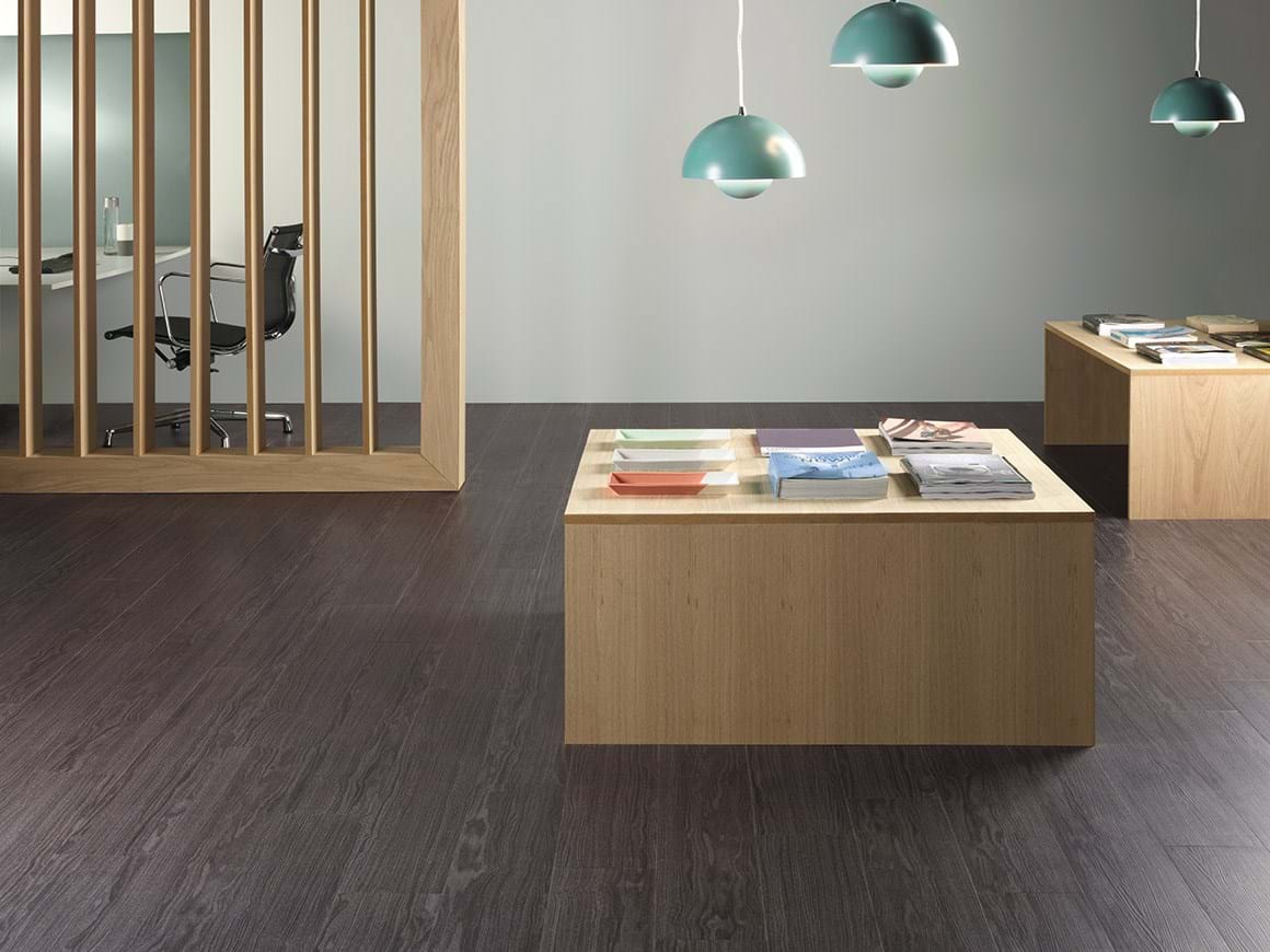 Amtico Access Shadow Oak SX5W5022 in Stripwood Laying Pattern